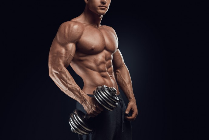 インクラインダンベルプレスのやり方を紹介!大胸筋上部を集中的に鍛える!