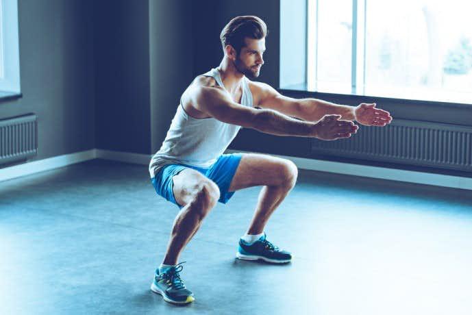 ワイドスタンススクワットで内ももを鍛える!太もも痩せにも効果的絶大!